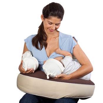 تغذیه کودکان دوقلو با شیر مادر
