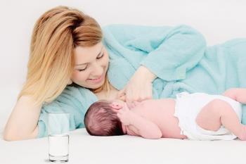 تغذیه با شیر مادر به روش صحیح