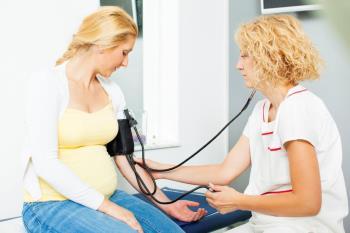همکاری مادر و پزشک در بارداری دوقلویی