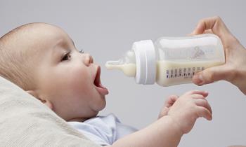 تغذیه کودک با شیشه