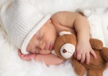شیرخوردن و خوابیدن نوزاد