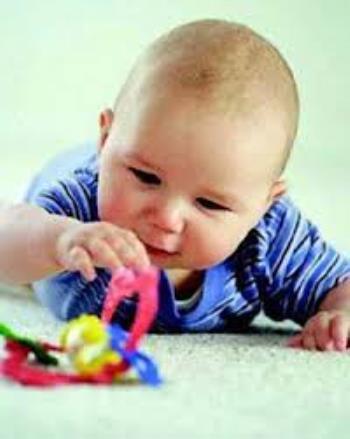 بازی با کودک در ماه اول تا سوم تولد