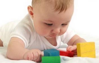بازی با کودک در هفت تا نه ماهگی تولد