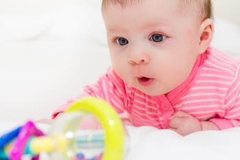 پرورش حواس کودک 7 ماهه