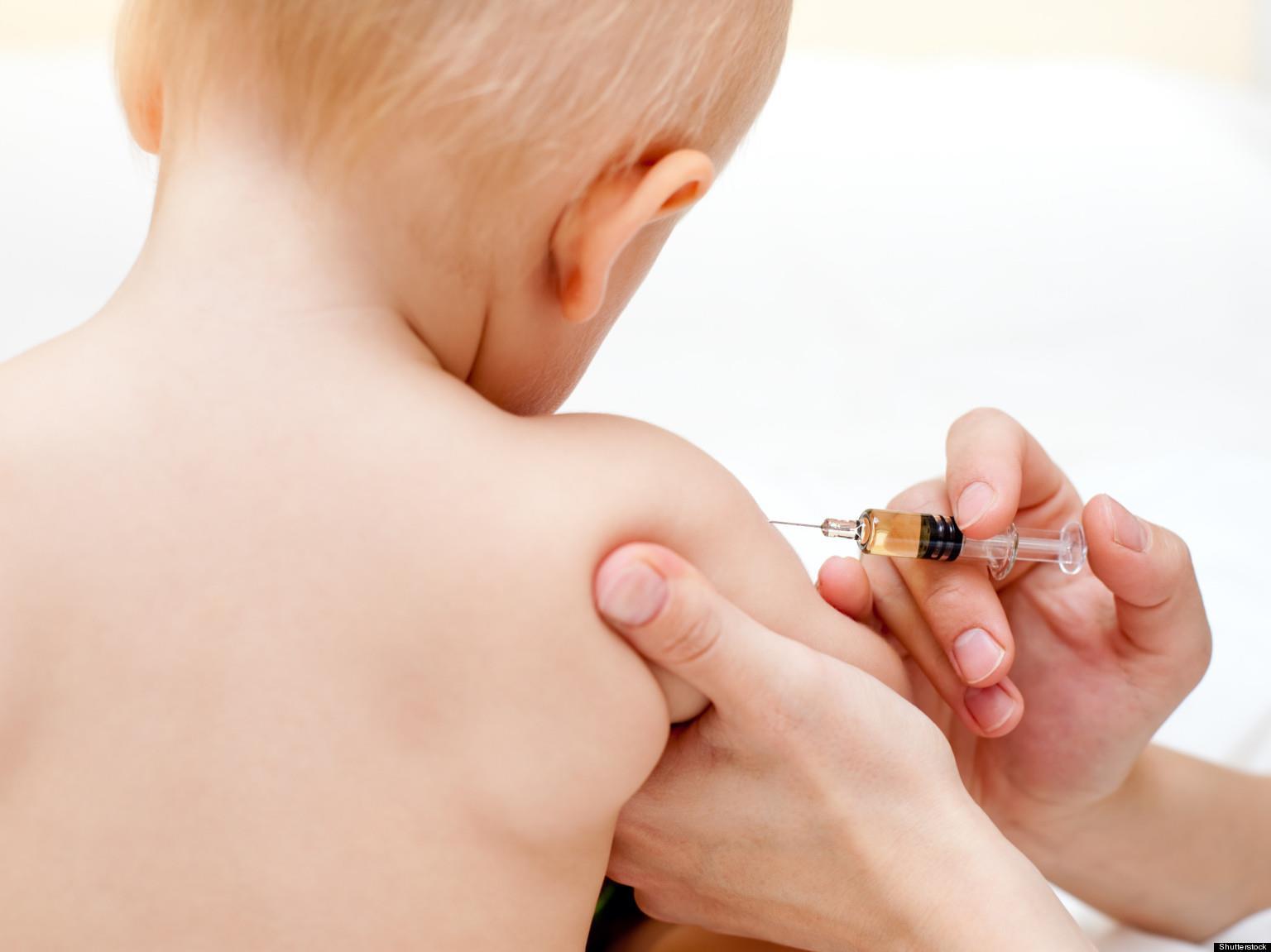 واکسن نوزاد شش ماهه