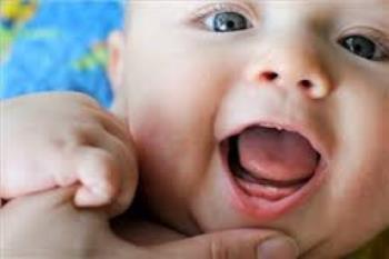 زمان دندان درآوردن نوزاد