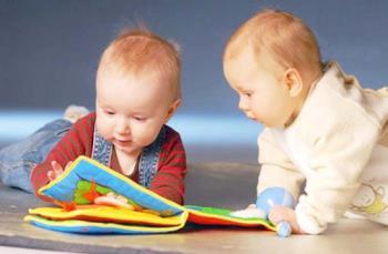 بازی با کودک در ده تا دوازده ماهگی تولد