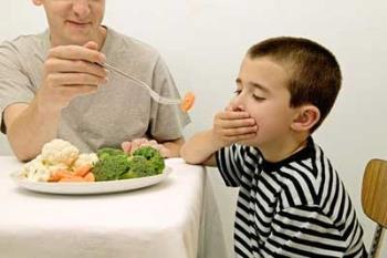 رفتار والدین با غذا نخوردن کودکان