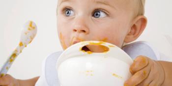 غذا دادن به کودکان نوپا