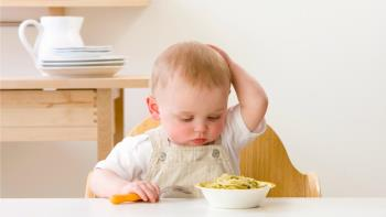 غذاخوردن و ایرادگیری و تک غذایی در کودک یکساله