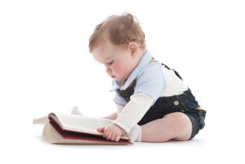 به دنبال استقلال بودن کودک یکساله