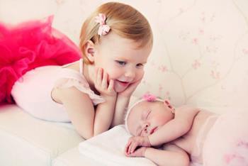 واکنش کودک اول در برابر تولد نوزاد جدید