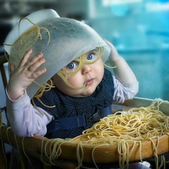غذا ریختن کودکان روی زمین