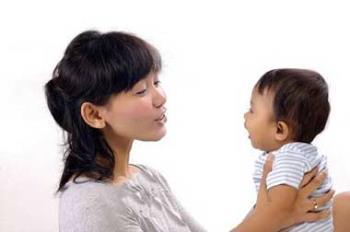 عوامل مؤثر در رشد تکلم کودک