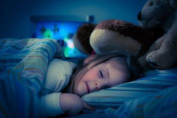 تنها خوابیدن کودکان در شب