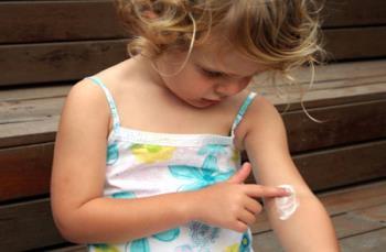 پیچک سمی و درماتیت تماسی در کودکان