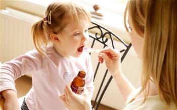 دارو دادن به کودک بیمار