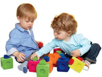اشتراک گذاری اسباب بازی در کودکان