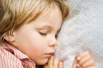 کمک کردن به کودک پرنیاز برای بهتر خوابیدن