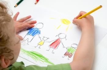 بازی و نقاشی دو عملکرد مهم کودک
