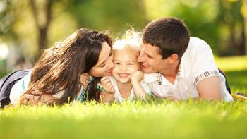 فواید در مرکز توجه قرار گرفتن تک فرزندان
