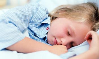 خواب و خوابیدن کودکان و حرکات آنان در خواب