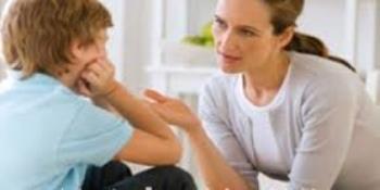 تشویق کودکان به صحبت کردن درباره یک مسئله