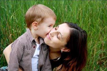 وابستگی شدید عاطفی تک فرزندان به والدین