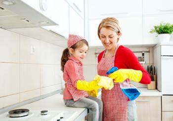همکاری و همیاری فرزندان در کارهای خانه