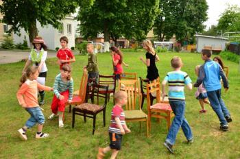 علاقه کودکان به شرکت در بازی های گروهی