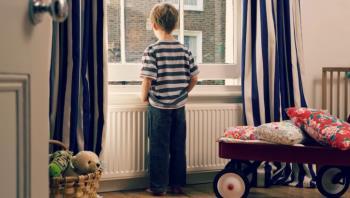 تنها گذاشتن کودکان دبستانی در خانه