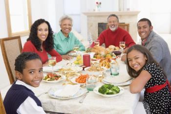 علاقه نداشتن کودکان به مراسم ها و جشن های خانوادگی