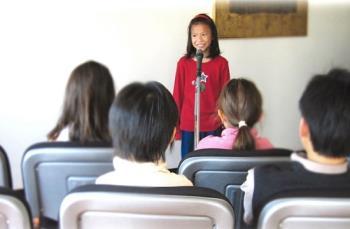 کودکان و ترس از صحبت کردن در جمع