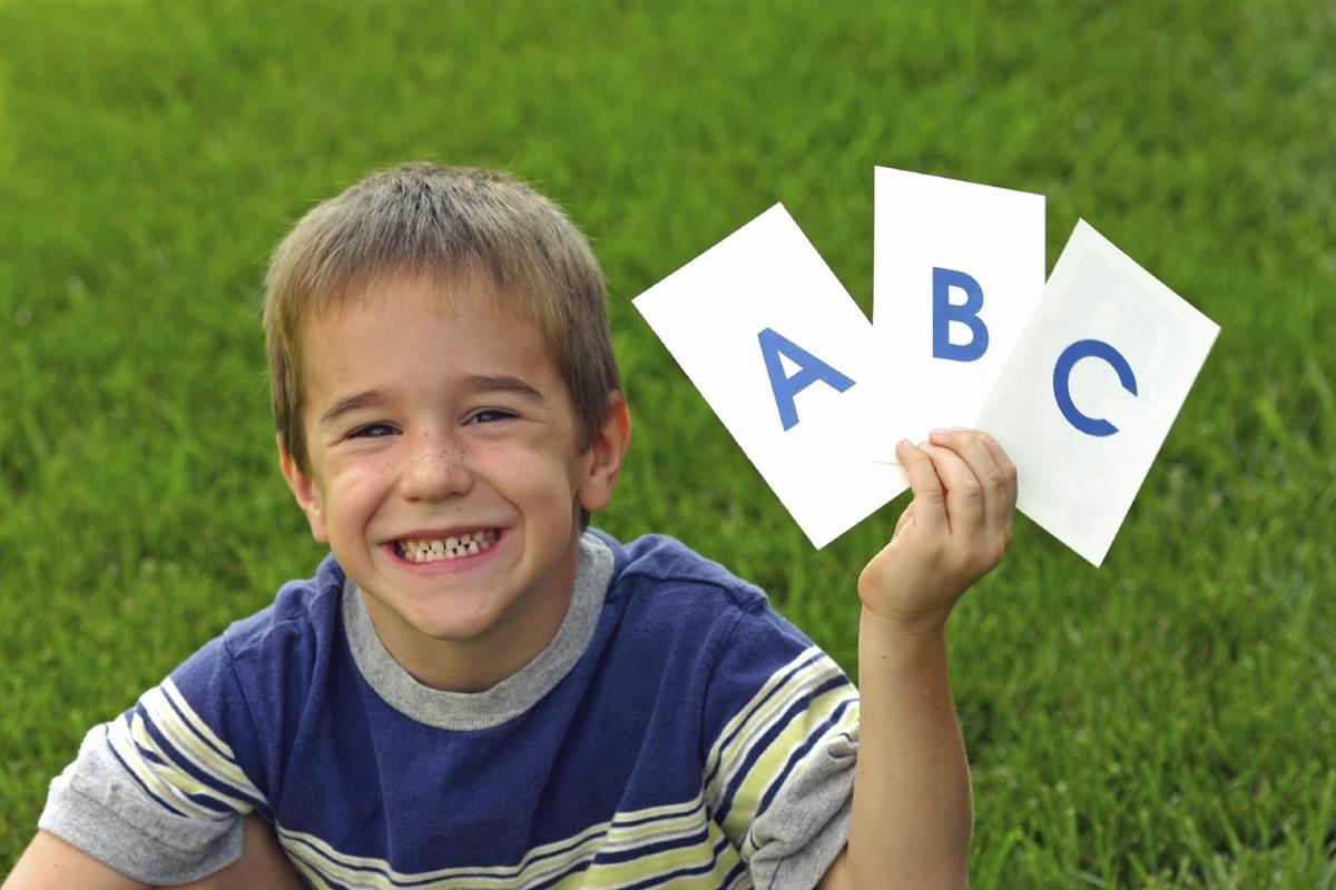 آموزش حروف الفبا به کودک