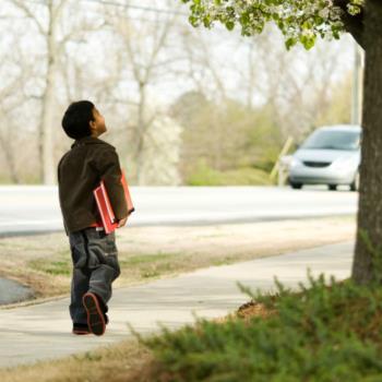 اجازه نداشتن فرزندان برای تنها بیرون رفتن از خانه