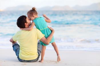 نزدیک شدن و رفتار کودک نسبت به والدین از جنس مخالف – بخش دوم
