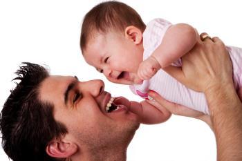روش بازی پدران با کودکان نه تا دوازده ماهه