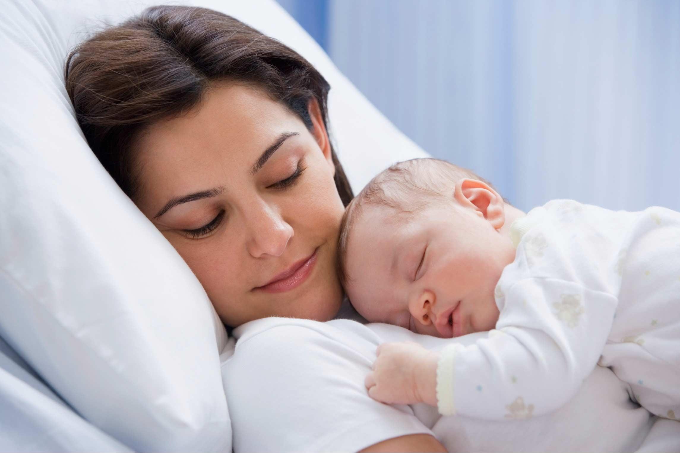 مادران تنها و پرورش نوزاد