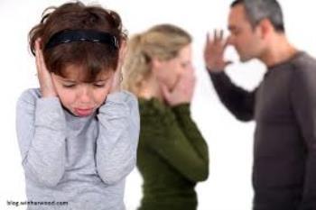 دعوا ، جر و بحث والدین و تاثیر آن بر کودکان