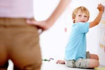 برقراری نظم و انضباط همراه با عشق توسط والدین