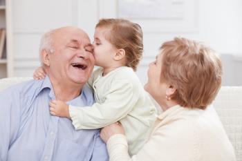 نقش پدر بزرگ و مادر بزرگ برای استقرار اخلاق در وجود فرزند