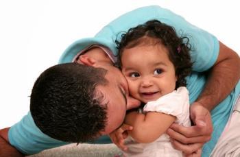 راهنمایی عاطفه همراه با رشد فرزند – 9 تا 12 ماهگی
