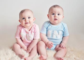 دیگران فرزندان دوقلوی شما را چگونه می بینند !