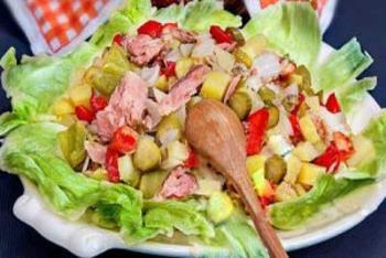 طرز تهیه سالاد کالباس و سبزیجات